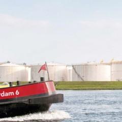 Gratis afgifte schoon plastic afval in havens Rotterdam en Amsterdam