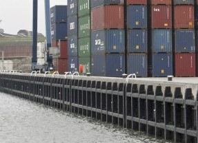 Samenwerking containerbinnenvaart op route West-Brabant -Rotterdam