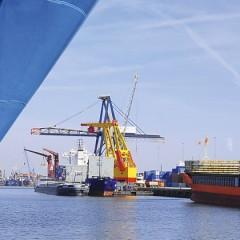 Alle seinen op groen voor  haven van Moerdijk