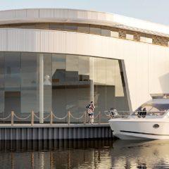 Unieke mix van boothuizen  en bedrijfsunits aan het water
